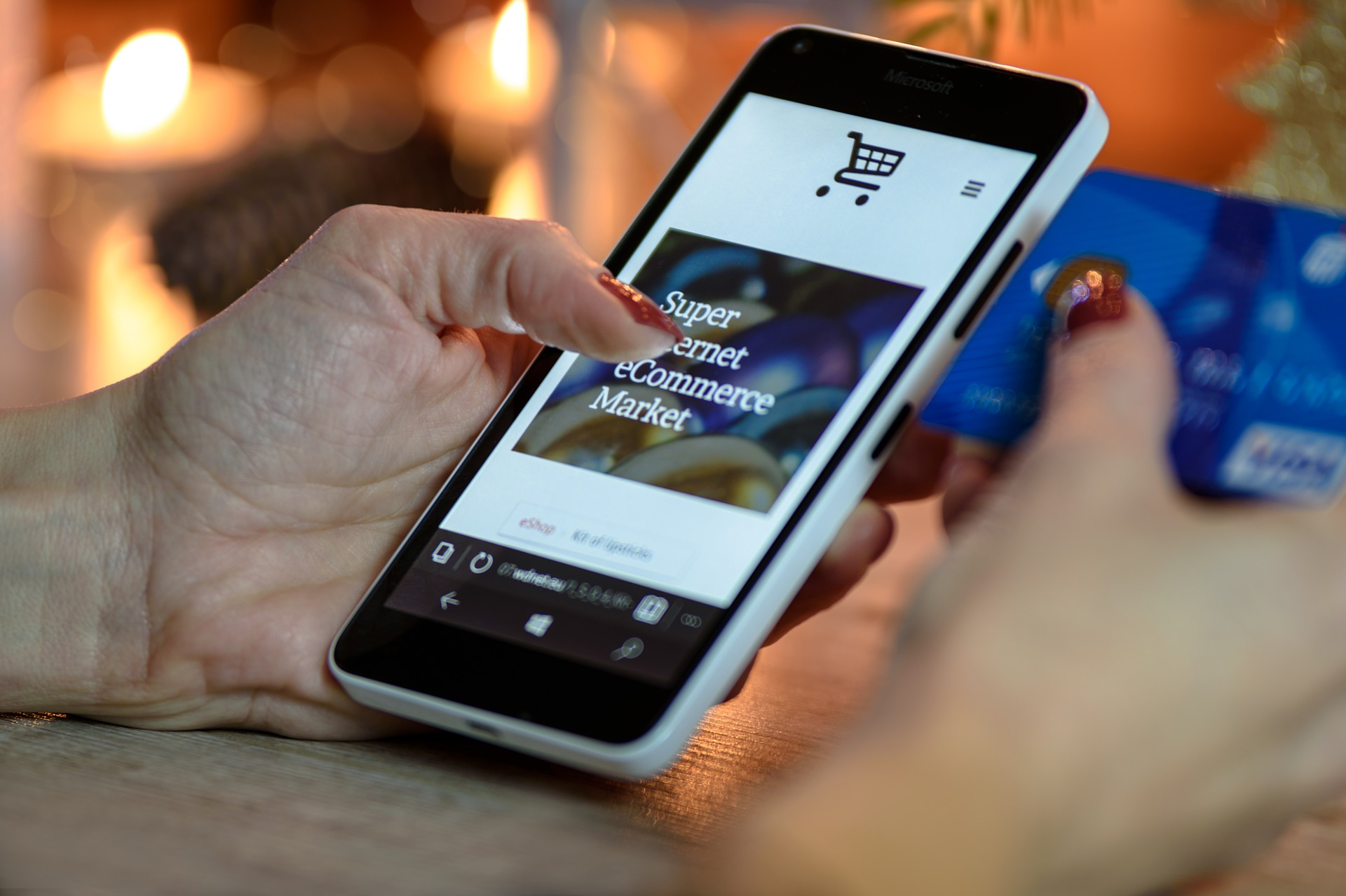 eCommerce mobile shopper